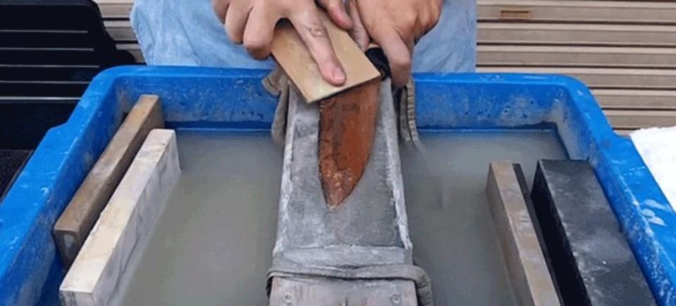 錆びた包丁を蘇らせる「研ぎ」の技術