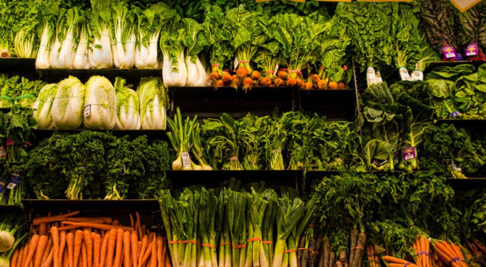 温暖化の影響で農作物の生産量が減少し、2050年には50万人が亡くなる