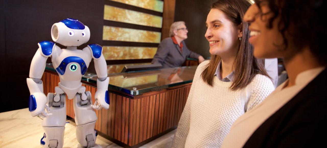 世界初、Watson搭載のロボットコンシェルジュがヒルトンホテルで採用される