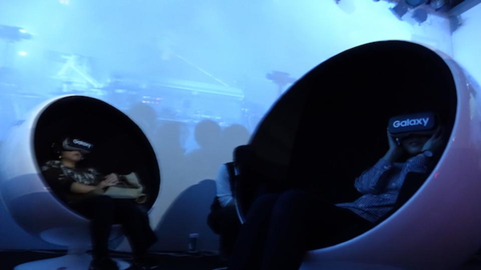 最強VRライブかも? Gear VRで見るアンダーワールドの未来感がすごかった
