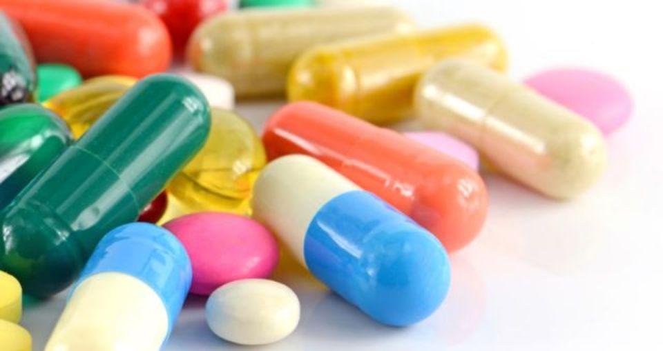 安いジェネリック医薬品が出たら困る…と闇協定にはしる製薬メーカー