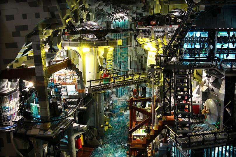 レゴで作られたバットマンの秘密基地「バットケイブ」がすさまじいクオリティ!