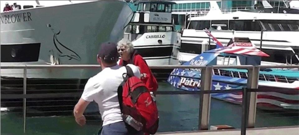 サンディエゴで船が止まりきれずに突っ込む
