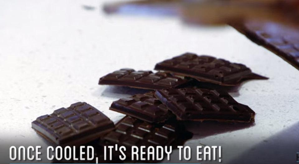 ついついボーっと見てしまう、カカオの実からチョコレートができるまでの動画