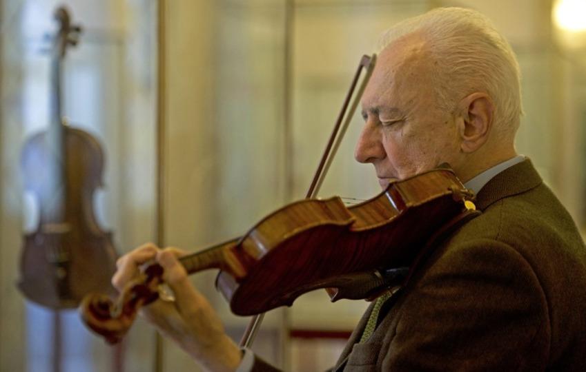 なめらかで優美なバイオリンの音色と塗料の関係