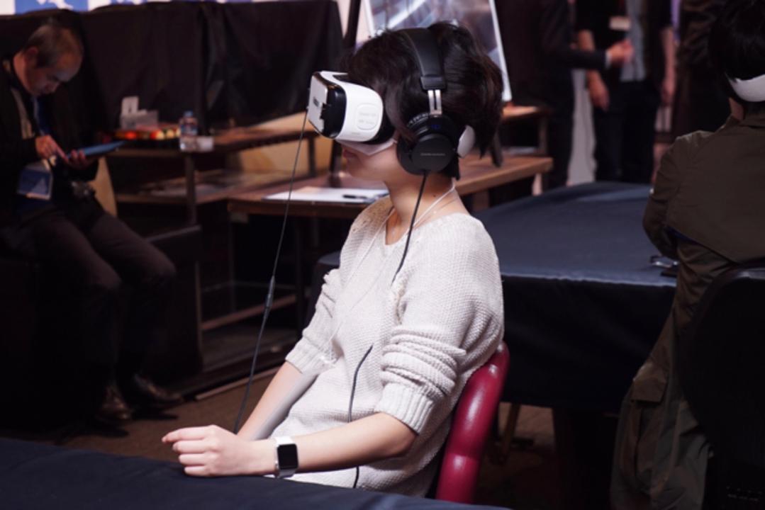 「VR THEATER」体験レポート:ネカフェでVR映画を見たらここに住みたくなった