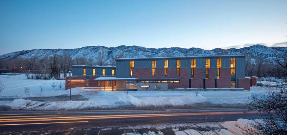 ロッキー山脈にある、超効率的な建物のひみつ