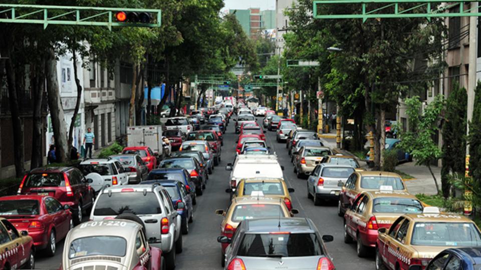 効果が出ないので2倍に規制! メキシコシティ、車規制で四苦八苦