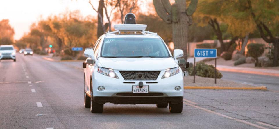 グーグルの自動運転車、いざ砂漠へ行かん!