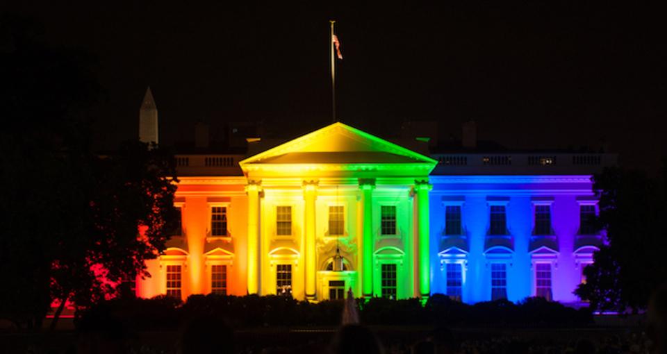 ホワイトハウス、10年前のテクノロジーからようやく脱却。バイバイ白黒片面印刷プリンター