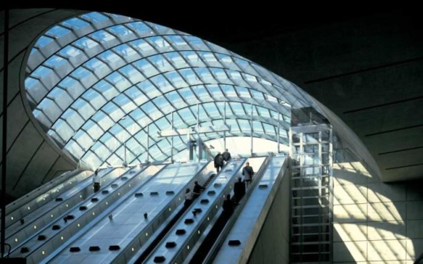 ロンドン地下鉄そっくりなデス・スターの内部交通網は宇宙一!