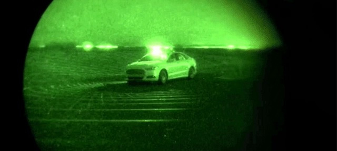 ヘッドライトもカメラもなし。フォード、夜間の自動運転テストに成功