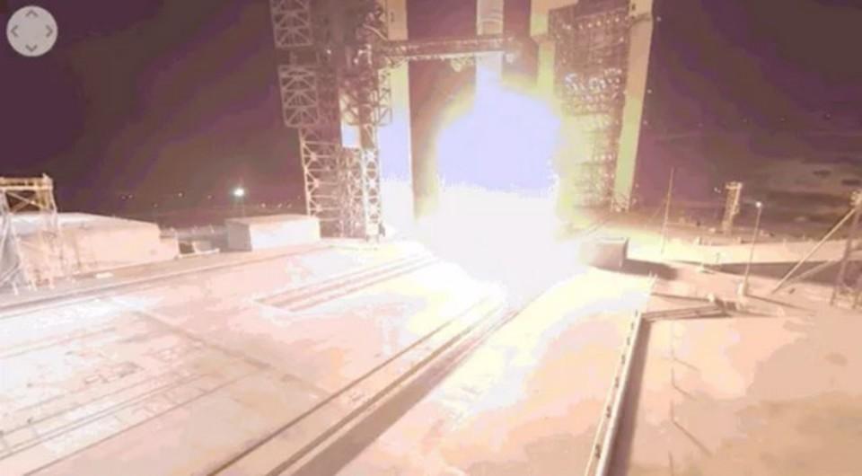 思わずのけぞる。スパイ衛星打ち上げのド迫力映像を360度でどうぞ