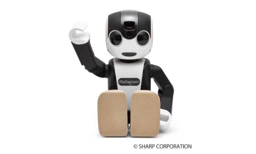 ロボット、だけど電話。シャープの「ロボホン」発売日と価格が発表