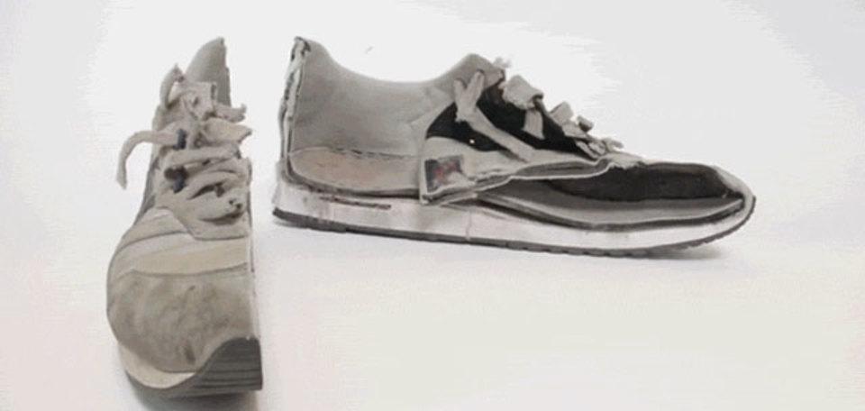 スカっと涼しげ! ウォータージェット切断で、靴もアイロンも何もかも真っ二つ