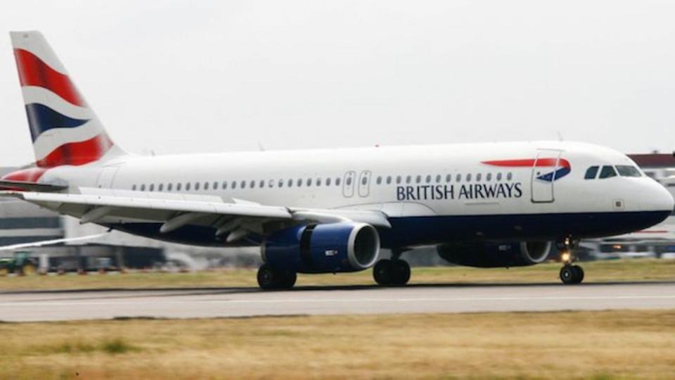 フライト中の飛行機にドローンが激突。しかし、機体にはかすり傷ひとつなし