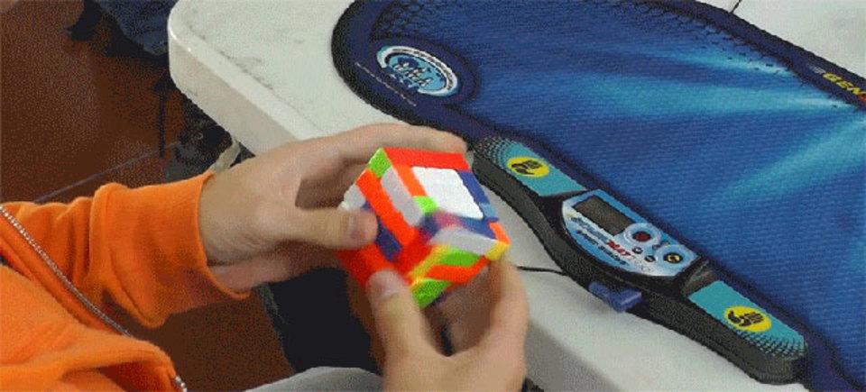 5x5のルービックキューブに世界新記録、44.837秒!