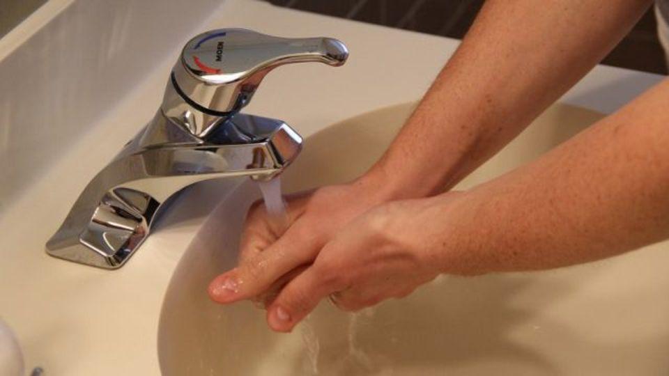最強の手洗い法は6ステップ、実験で明らかに