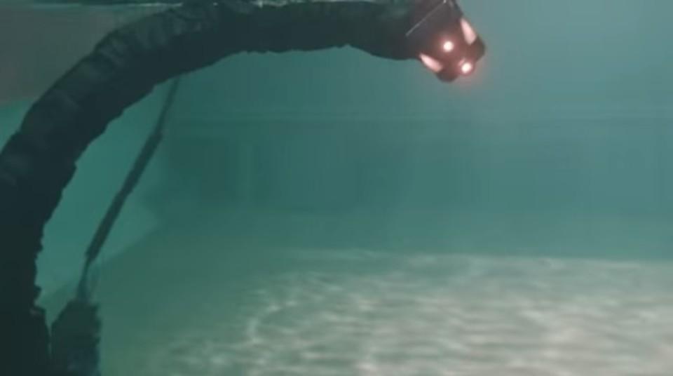 悪夢に出てきそうな海中作業ウミヘビ型ロボット