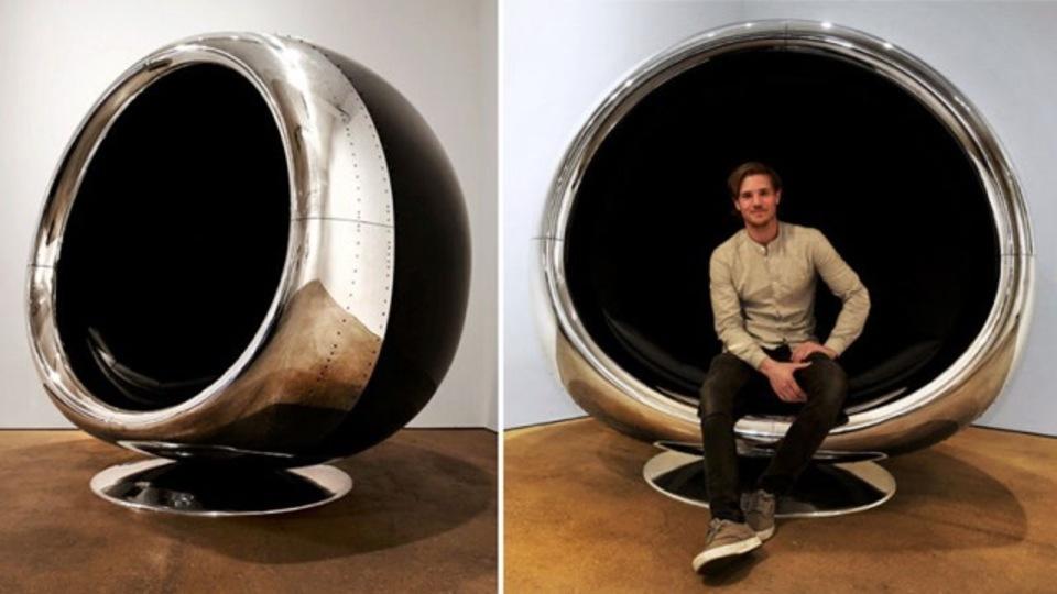 誰でもSF映画のラスボスに演出してしまうボーイング737エンジン製の椅子
