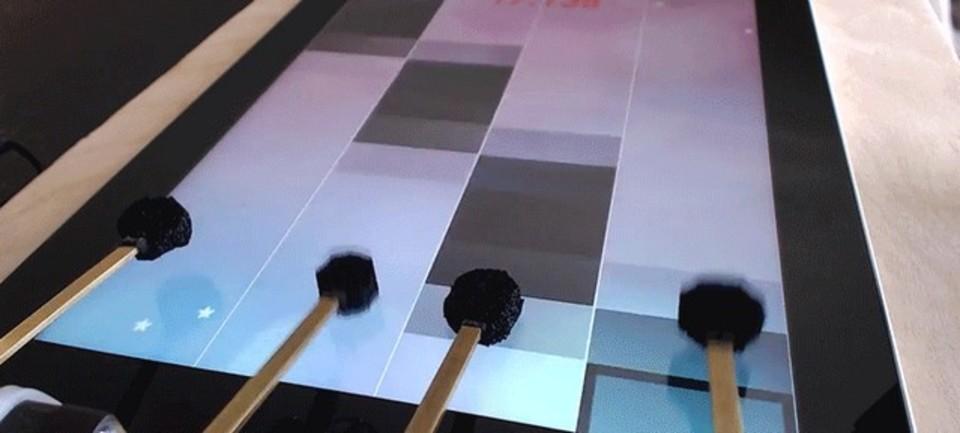 激ムズ音ゲー「ピアノタイル2」を攻略するロボット現る