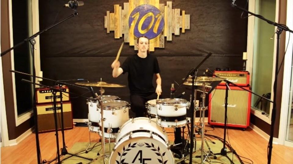 「ファイナルファンタジーX」の戦闘曲をロックなドラムで演奏