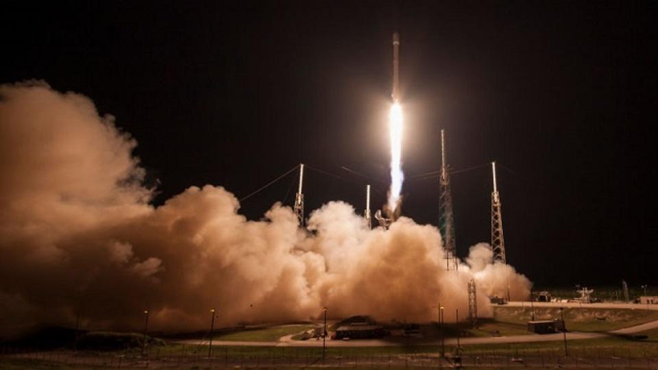 SpaceX、Falcon 9の洋上着陸にまた成功! 今度はさらに高高度から