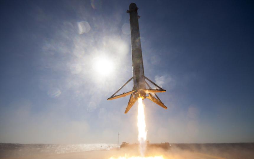 14時から! SpaceX、Falcon 9に日本用の通信衛星をのせて打ち上げ&洋上着陸にチャレンジ