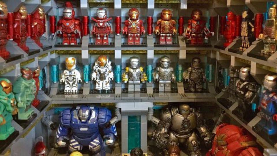 レゴのミニフィグでアイアンマンのスーツ・コレクションを再現