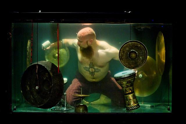 世界初 水中バンド 歌唱法