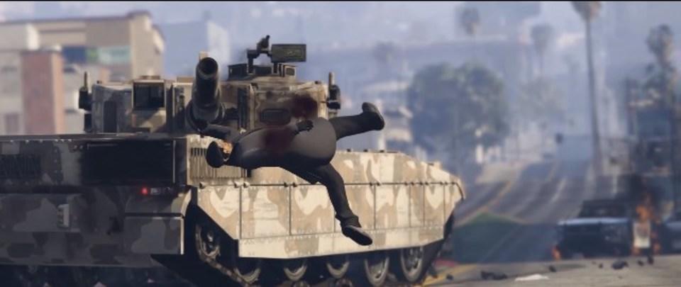 痛い! 「GTA」の戦車で不謹慎な人間野球がプレイボール