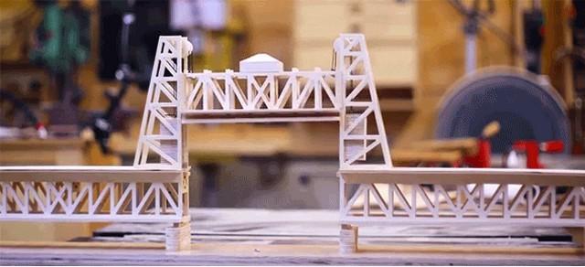 小学3年生(とお父さん)が作った可動橋の模型が本格的