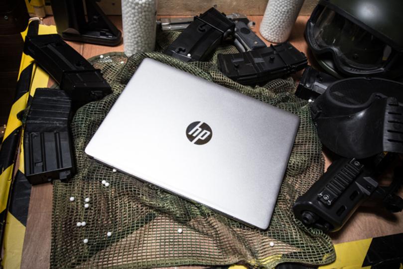 HPの新しいノートPC、そのイメージは「戦場の中のスマートな紳士」