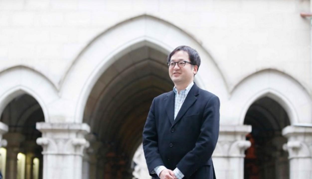 「透明人間マント」開発している東大教授、次は「分身の術」を作りたいと語る