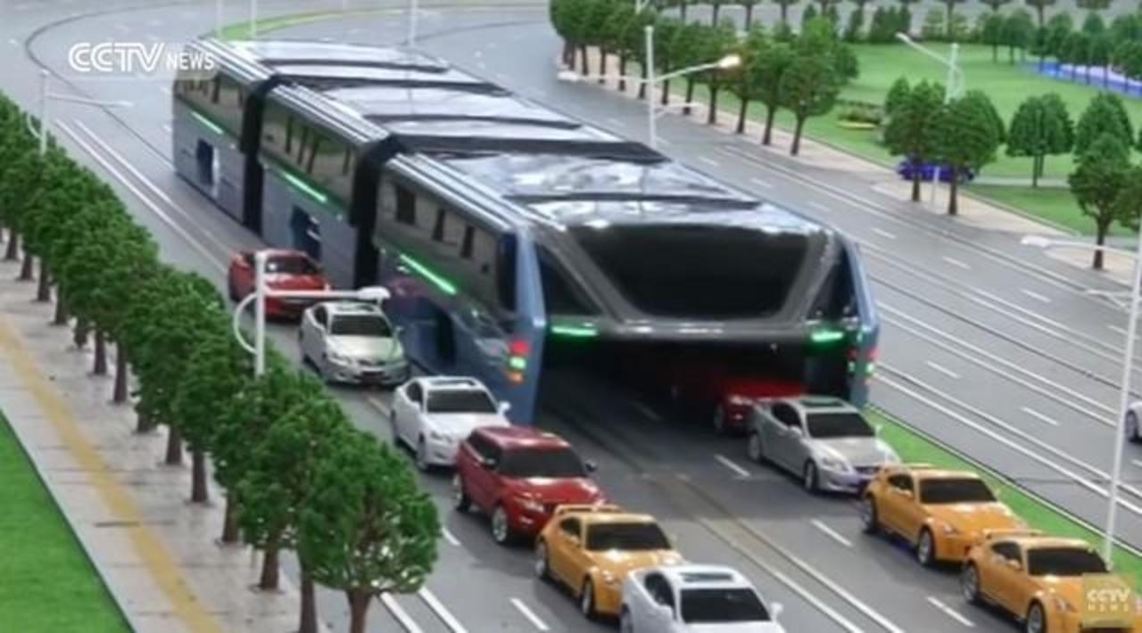 いちいち規模がケタ外れ。中国が「車の上を走る車」のコンセプトを発表