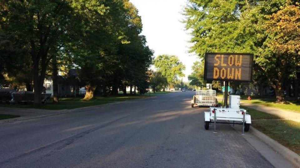 時速8km変わるだけで大きな違いが。車にぶつかって死んでしまうかどうかは車のスピード次第