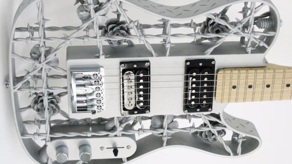 バラに棘…中二心そそられる3Dプリント製ギター