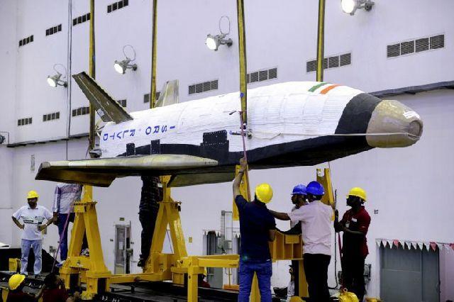 20160511_india_shuttle3.jpg