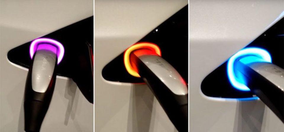 気分はディスコ。Teslaの新イースターエッグは充電ランプが虹色に光る