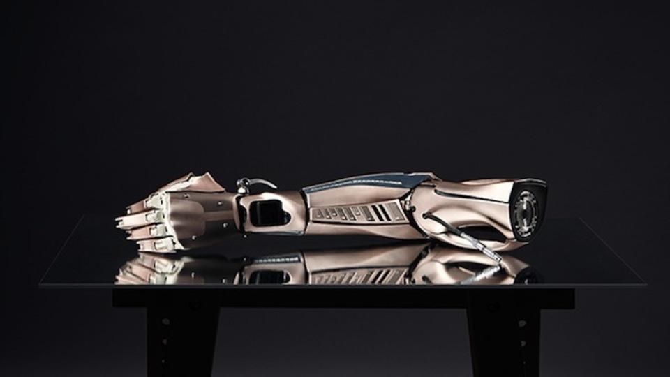 身体機能の補助から拡張へ。メタルギアソリッドの筋電義手が現実に!