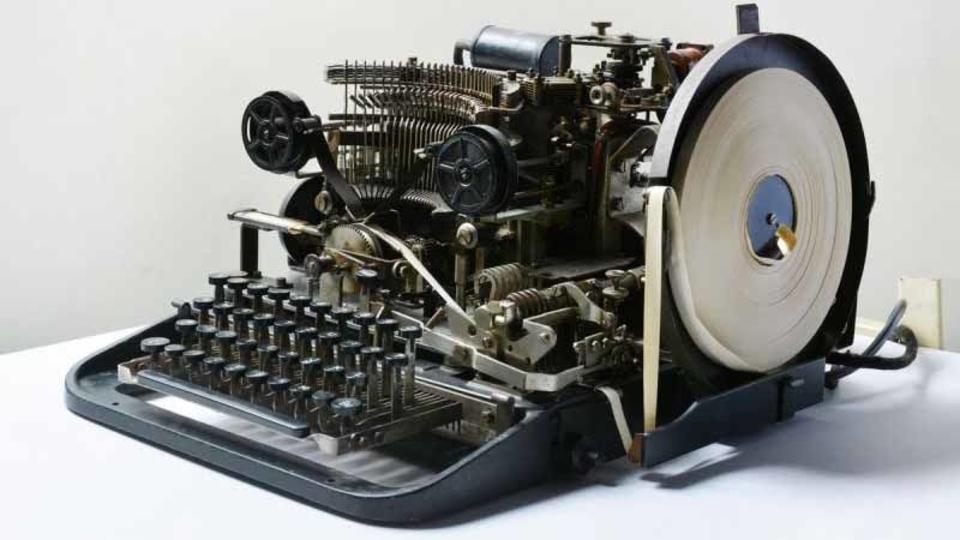 ナチス時代の暗号機、ネットオークションに出品されて10ポンドで落札される