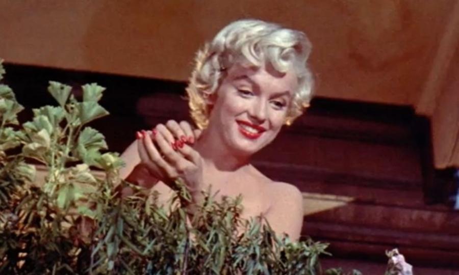 マリリン・モンロー生誕90年…で拡散中の偽写真7枚(職場閲覧注意)