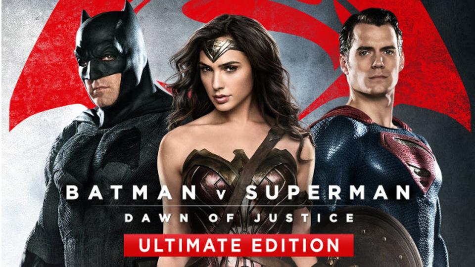 未公開シーン満載のR指定版「バットマン vs スーパーマン」BD/DVD予告編