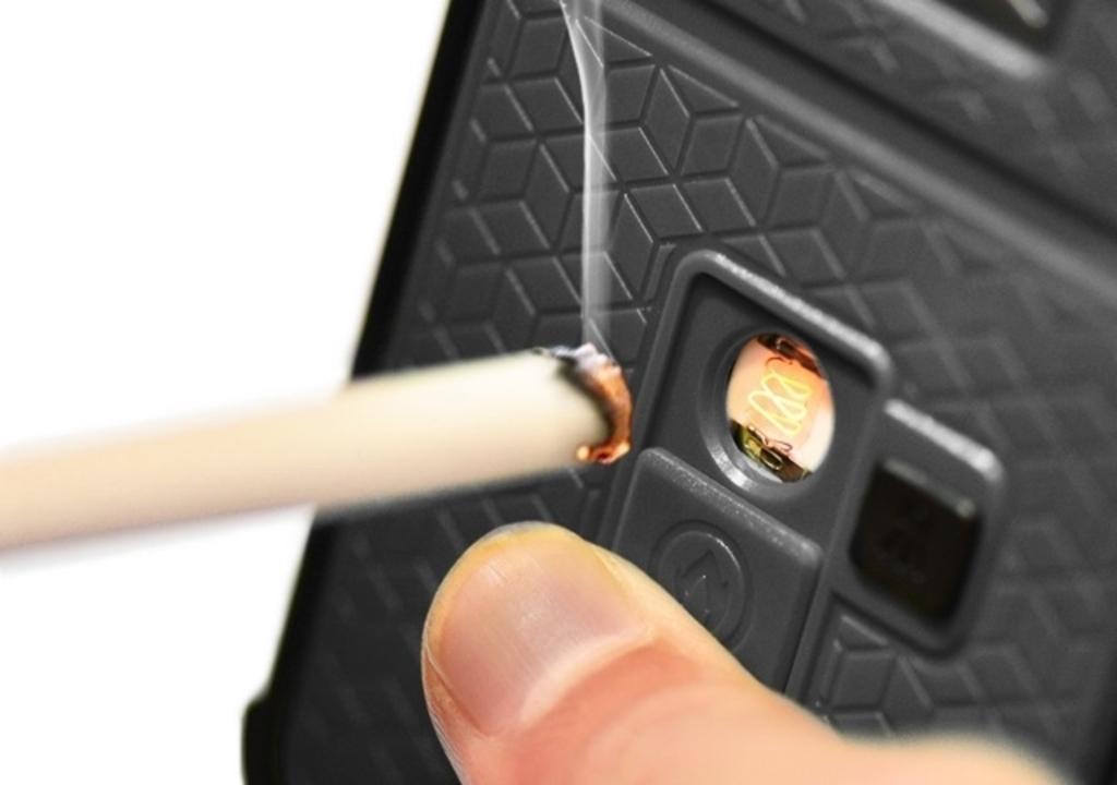 タバコに火を付けられる。これな〜んだ?