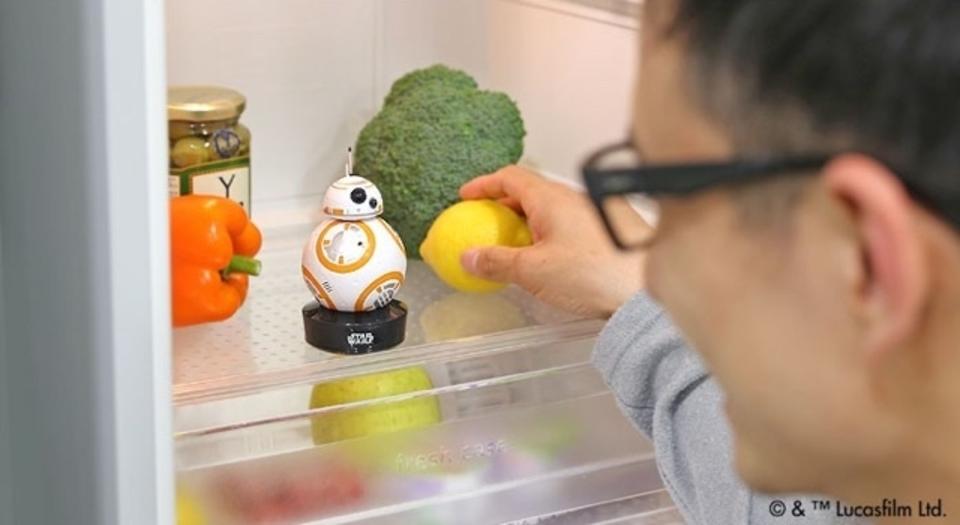 冷蔵庫にBB-8を飼うと、開けっ放しを教えてくれる