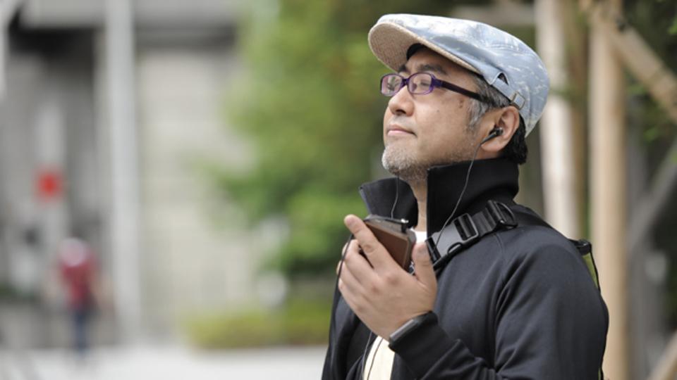 音楽を愛するライターの日常に密着。彼の耳をとらえたハイレゾイヤフォンの魅力とは