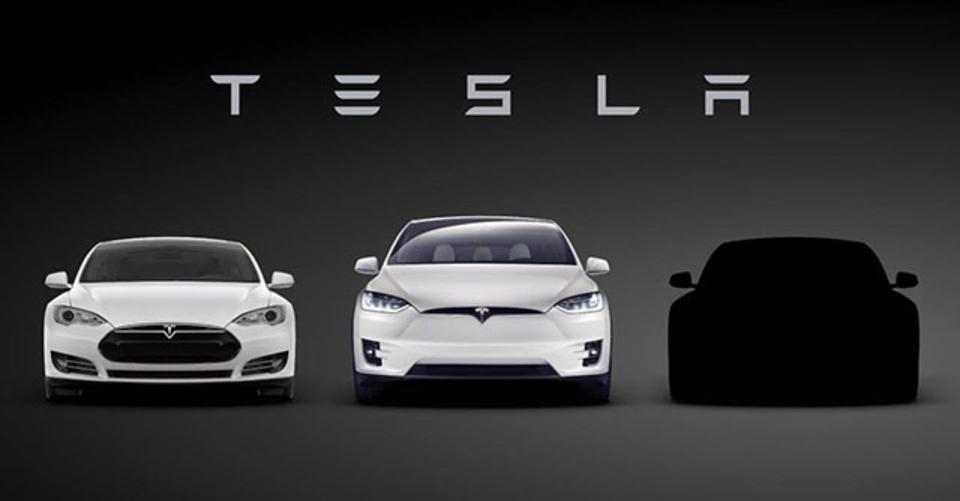イーロン・マスク「TeslaのモデルSは水中でも走るよ。ちょっとだけなら」