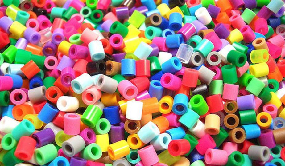 レジ袋がガソリンの代わりに? 中国の研究チームがプラスチックの新たな分解方法を開発。