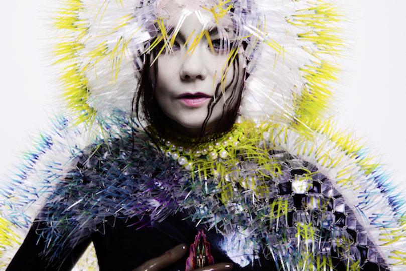 音楽の発明家、Björkインタビュー:「VRはライブすら超えるかもしれない」