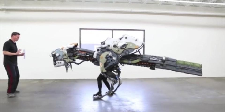 E3で話題をさらった、人が入っているとは思えない機械獣のコスプレ